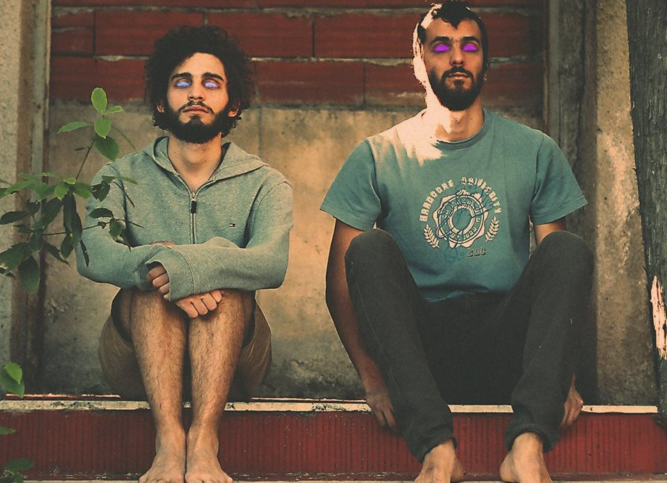 """Plastic Flowers – """"Ghosts (feat. Keep Shelly in Athens)"""""""
