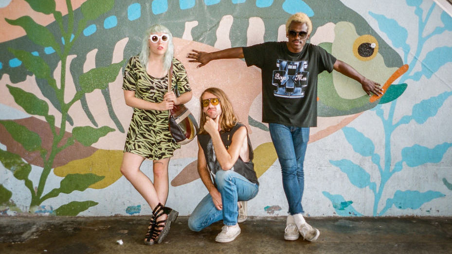 Guantanamo Baywatch – Too Late (featuring Curtis Harding)