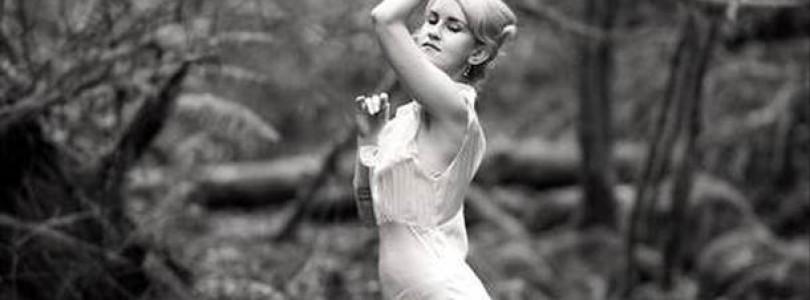 "Johanna Warren – ""Figure 8"""