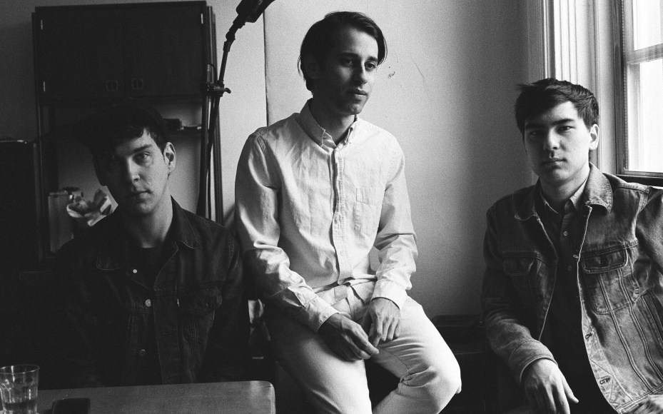 "EZTV – ""The Light"""