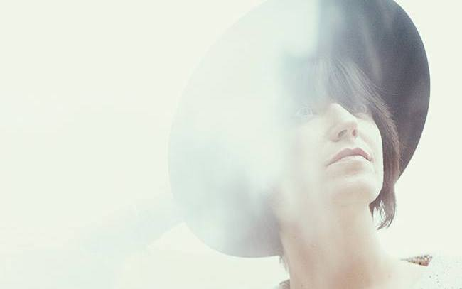 """Sharon Van Etten – """"I Don't Want To Let You Down"""""""