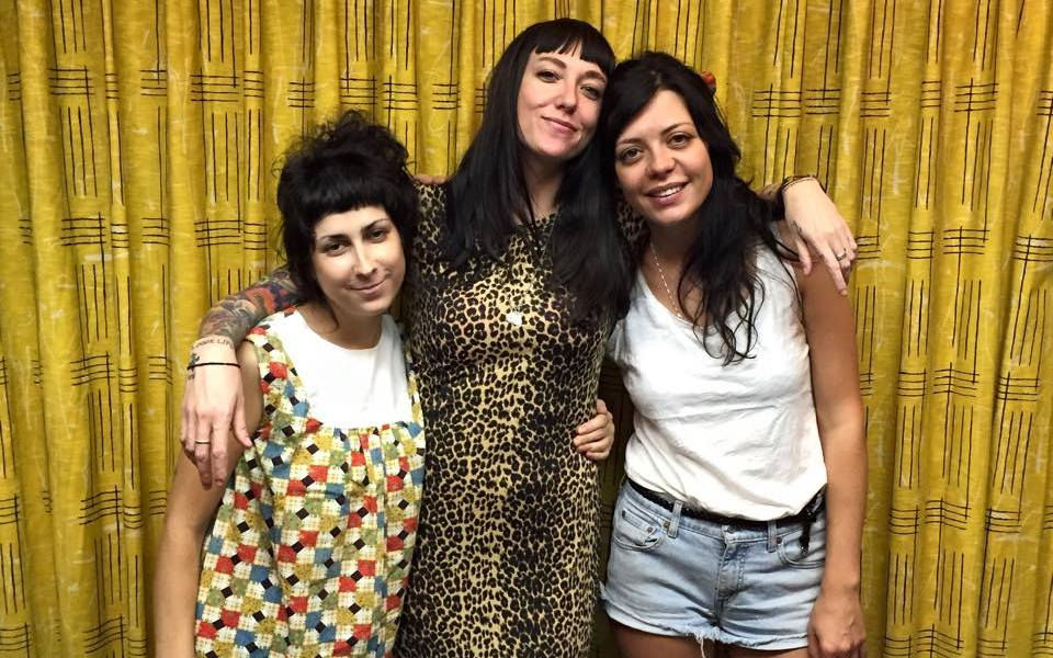 """The Coathangers – """"Watch Your Back"""""""
