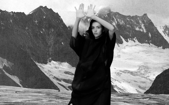 """Pantha du Prince – """"The Winter Hymn (Feat. Queens)"""""""