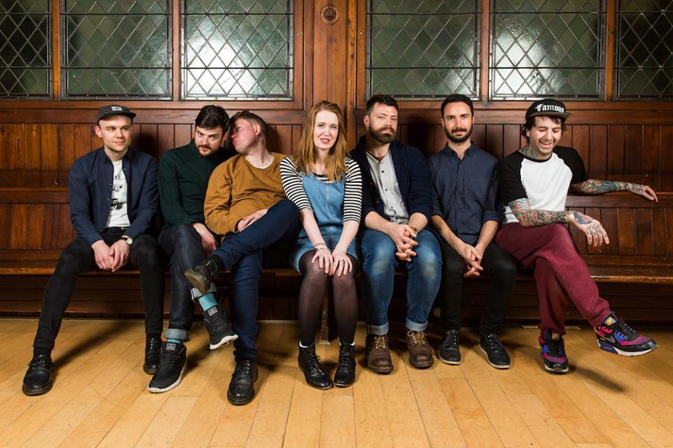 "Los Campesinos! – ""I Broke Up In Amarante"""