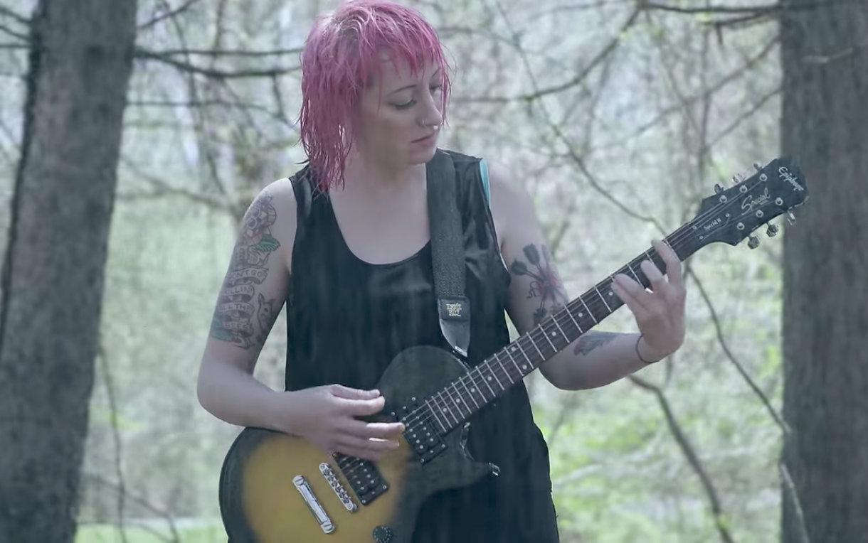 "Cayetana – ""Bus Ticket"""