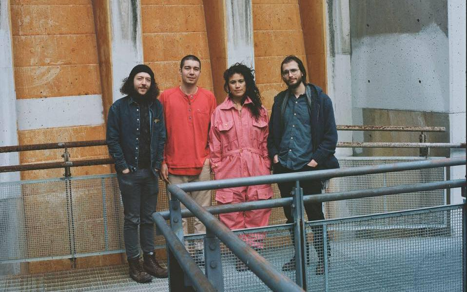 Hooded Fang – 'Dynasty House'