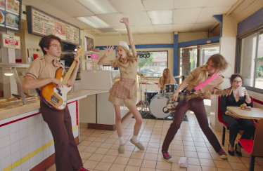 "Starcrawler – ""I Love LA"""