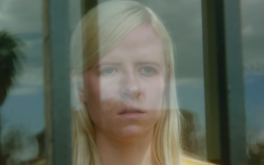 """Amber Arcades – """"Simple Song"""""""