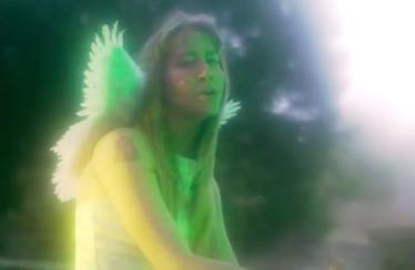 """PYNKIE – """"Dew ♥"""""""
