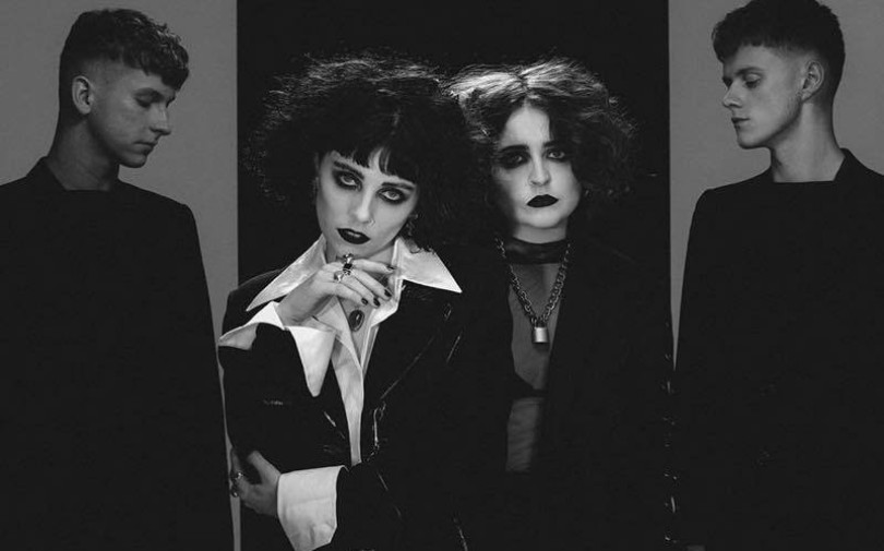"Pale Waves – ""Kiss"""