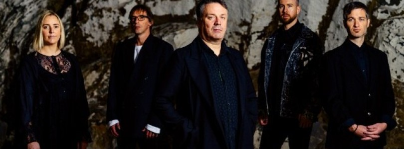 "The Chills – ""Complex"" , ""Lord Of All I Survey"""