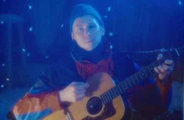 """Spencer Radcliffe & Everyone Else – """"Here Comes The Snow"""""""